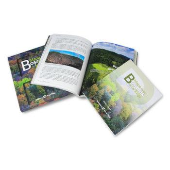 """Publicaciones: Medio Ambiente, estuche, libro y mapa """"Bosques de La Rioja"""""""